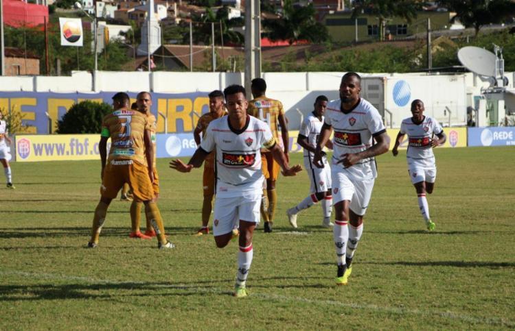 Após marcar contra, Edcarlos faz dois e Vitória bate o Jacobina - Foto: Moysés Suzart / EC Vitória