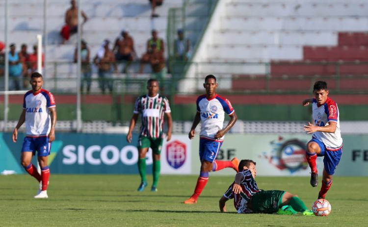 Foi uma partida de nível técnico baixo: o Fluminense também pouco fez para dizer que foi superior - Foto: Felipe Oliveira   EC Bahia   Divulgação