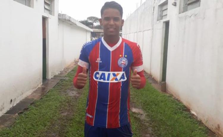 Tricolor se lançou ao ataque, mas o campo repleto de poças atrapalhou as investidas do time - Foto: EC Bahia