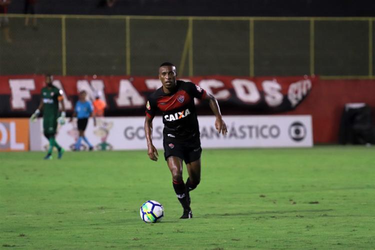 O técnico Marcelo Chamusca irá comandar pela primeira vez a equipe principal, que também irá atuar pela primeira vez no ano, dentro das quatro linhas - Foto: Mauricia da Matta | EC Vitória