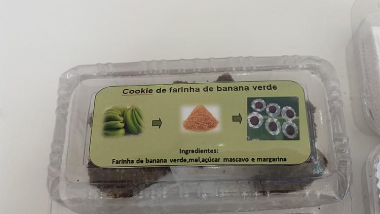 O biscoito tem como base a farinha da banana verde e ganha formato de cookies, levando ingredientes como açúcar mascavo, mel e margarina vegetal - Foto: Divulgação