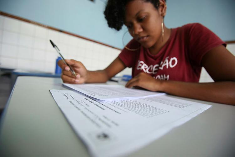 O Instituto Nacional de Estudos e Pesquisas Educacionais Anísio Teixiera (Inep) divulgou um levantamento inédito com a origem, o sexo e a idade dos 55 participantes que alcançaram a nota máxima na dissertação - Foto: Joá Souza / Ag. A TARDE