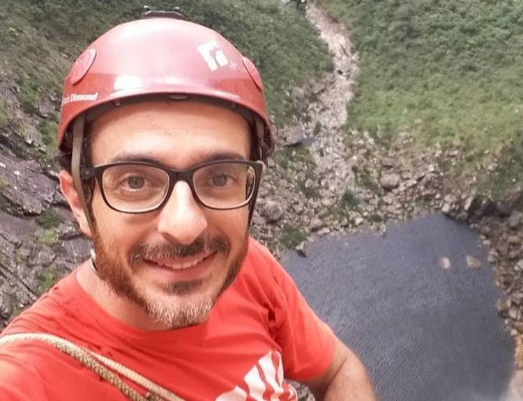Leandro Ianotta relatou nas redes sociais que aguardava melhora do tempo para continuar caminhada - Foto: Reprodução   Facebook