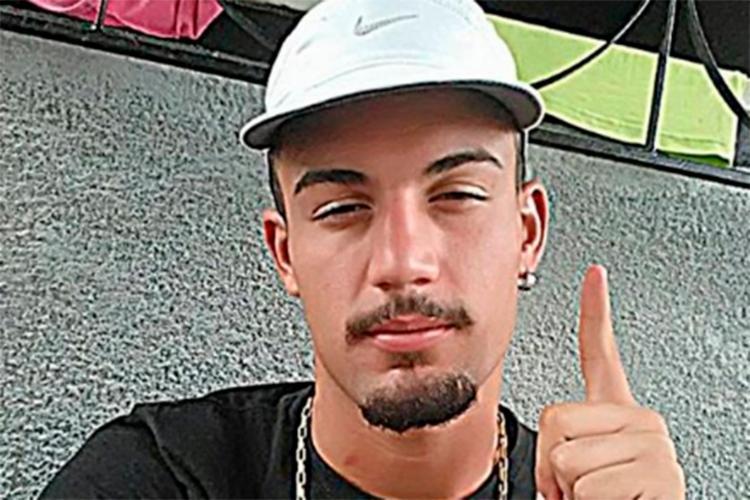 João Vitor estava sendo procurado pela policia após imagens das câmeras de segurança da região do crime serem divulgadas - Foto: Reprodução | site Radar 64