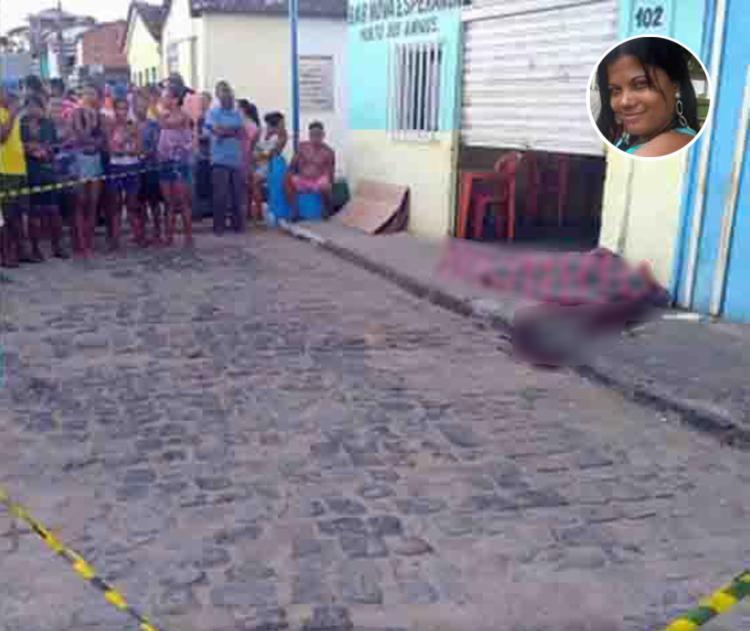 A vitima foi atingida por dois golpes de faca na região do pescoço e morreu no local - Foto: Reprodução | Giro em Ipiaú