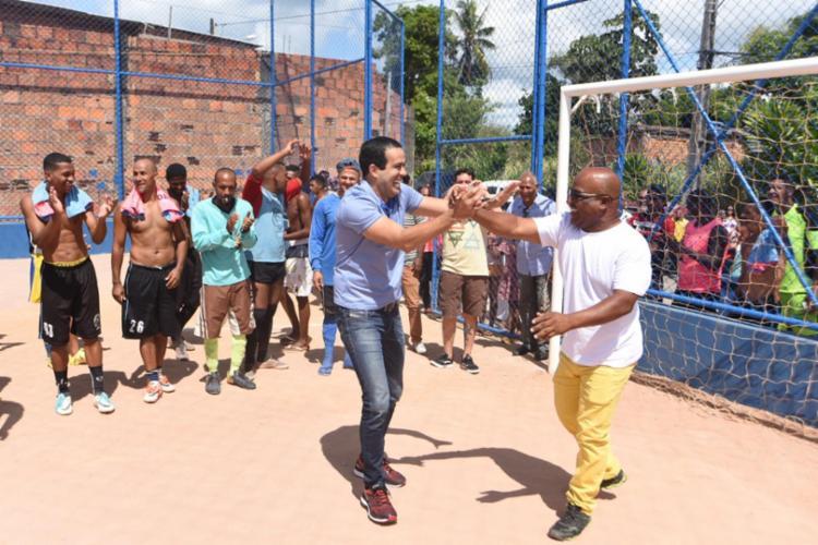 Bruno Reis participou das entregas de campos de futebol em Fazenda Coutos e Cajazeiras V - Foto: Divulgação
