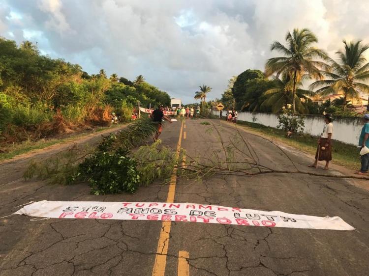 A ação foi iniciada por volta das 4h da manhã e foi encerrada às 11hrs.