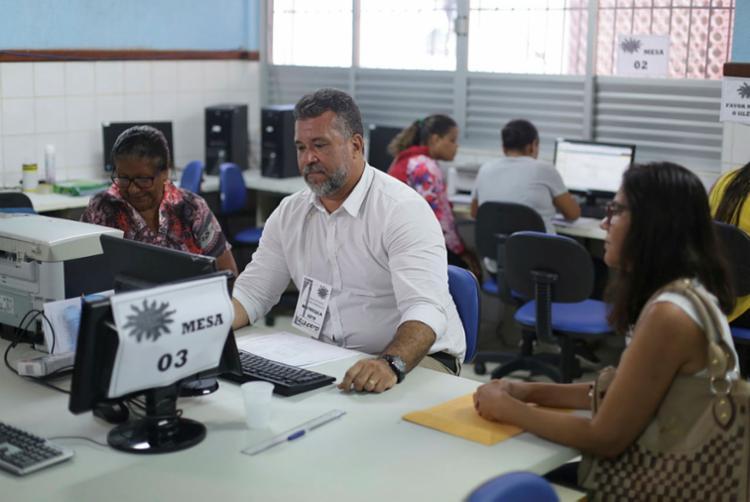 Matrícula pode ser feita nas unidades escolares ou pela internet - Foto: Raul Spinassé | Ag. A TARDE