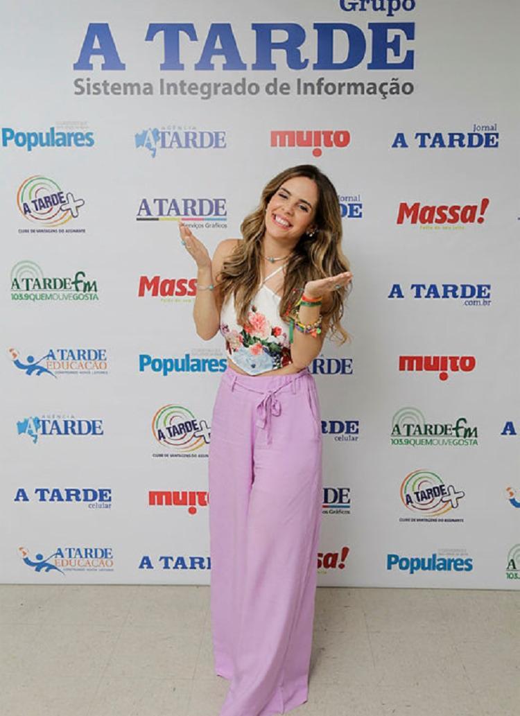 Centrada na música, Mariana afirmou que tá vindo música nova - Foto: Gilberto Junior / Ag. A TARDE