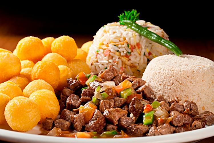 Segundo estudo, restaurantes a la carte ofereciam refeições com 1.317 kcal - Foto: Reprodução