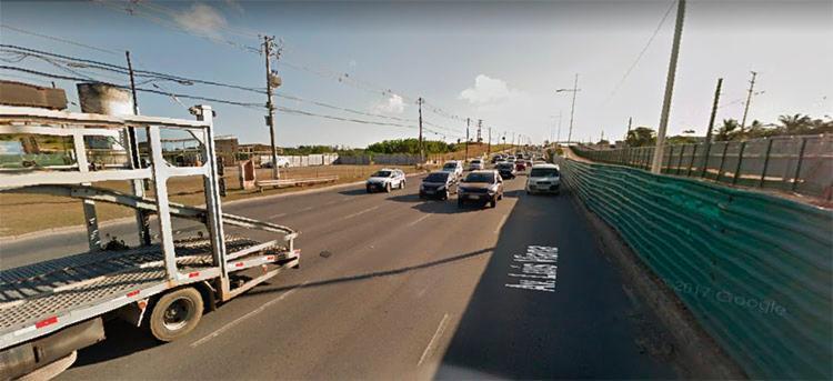 O acidente aconteceu nas proximidades no Parque de Exposições, na avenida Paralela, sentido aeroporto - Foto: Reprodução   Google Maps