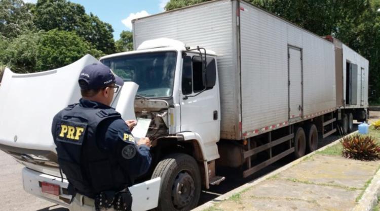 Veículo também foi flagrado com sete toneladas de excesso de peso - Foto: Reprodução | PRF