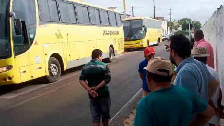 Os ônibus da empresa Itapemirim seguiam das cidades pernambucanas de Timbaúba e Arco Verde com destino à São Paulo. - Foto: Reprodução | Site Acorda Cidade