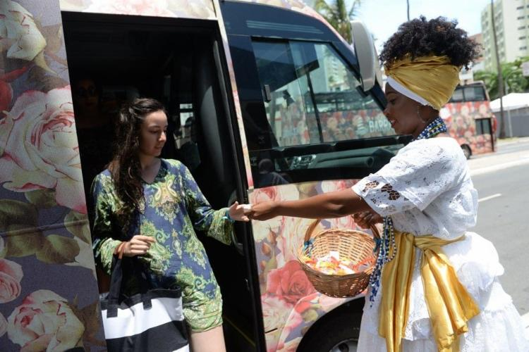 O local oferece até o dia 10 de fevereiro o traslado dos principais hotéis de Salvador para turistas. - Foto: Divulgação