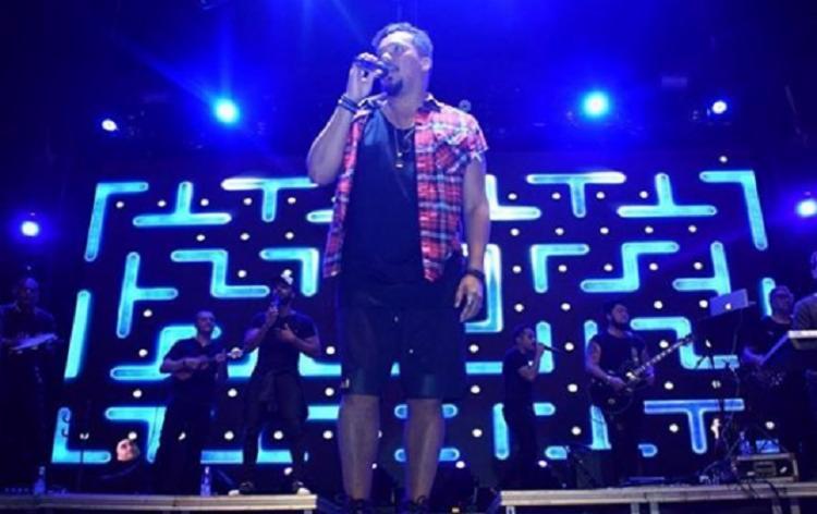 No show, o cantor apresentou uma música onde retrata a volta dele para o Sorriso Maroto - Foto: Reprodução Instagram | Bruno Laranjeira