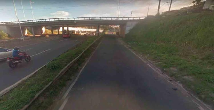 O acidente ocorreu próximo ao do viaduto que liga a Estação Pirajá à Estrada de Campinas de Pirajá - Foto: Reprodução | Google Maps