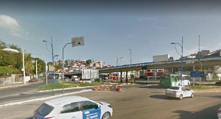 O acesso foi fechado em 2013, momento em que houve a inauguração da via exclusiva para ônibus - Foto: Google Street View