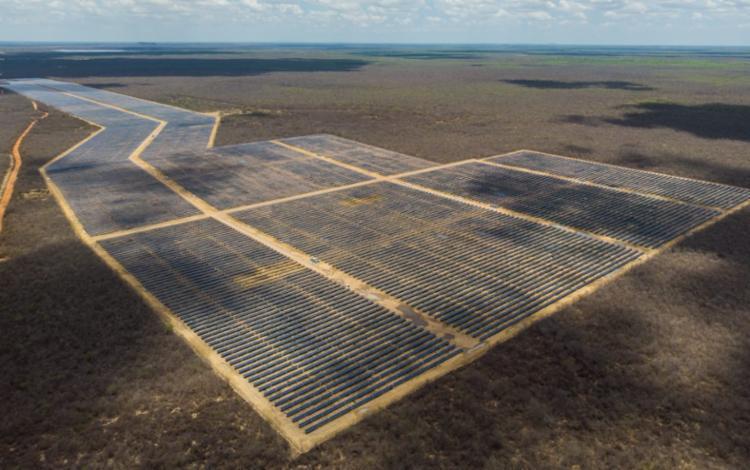 As Centrais Fotovoltaicas São Pedro II e IV (54 MW), em Bom Jesus da Lapa, receberam um investimento de R$ 244,4 milhões - Foto: Atlas Renewable Energy/Divulgação