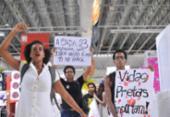 Ato em Salvador pede justiça após morte de jovem em supermercado | Foto: Felipe Iruatã | Ag. A TARDE