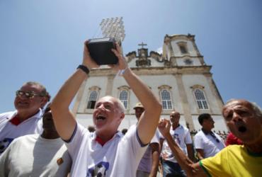 Missa na Igreja do Bonfim celebra 30 anos do Bi Brasileiro do Bahia; veja fotos | Raul Spinasse l Ag. A TARDE