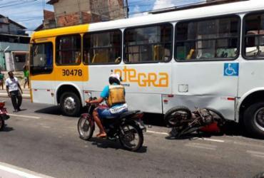 Colisão entre ônibus e moto deixa trânsito lento na Suburbana | Jefferson Domingos | Ag. A TARDE