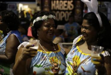 Marchinhas animam pré-Carnaval na Barra |
