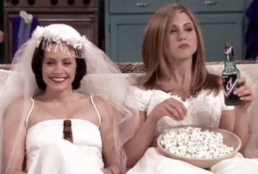 Jennifer Aniston completa 50 anos e recebe parabéns de companheira de 'Friends' | Reprodução