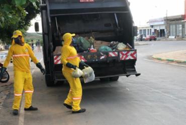 Agentes de limpeza pública de Canudos recebem equipamentos de proteção