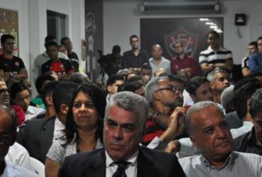 Membros do Conselho do Vitória emitem carta exigindo renúncia do presidente | Maurícia da Matta | Esporte Clube Vitória