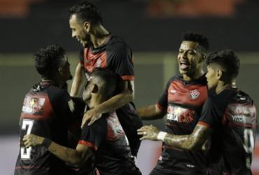 Vitória goleia Jequié e cola na liderança do Baianão | Adilton Venegeroles l Ag. A TARDE