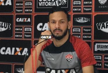 Yago esquece crise no Vitória e pensa em liderança do Baianão | Maurícia da Matta | Esporte Clube Vitória