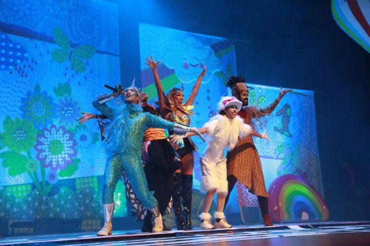 O musical mistura música, dança e atuação, brincando com a imaginação da criançada.
