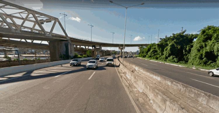 O condutor foi socorrido pelo Samu e encaminhado a uma unidade de saúde - Foto: Reprodução   Google Maps