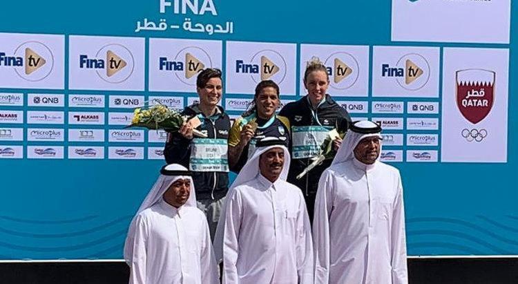 A nadadora baiana conquistou a medalha de ouro na prova de 10 km - Foto: Satiro Sodré l SSPress l CBDA