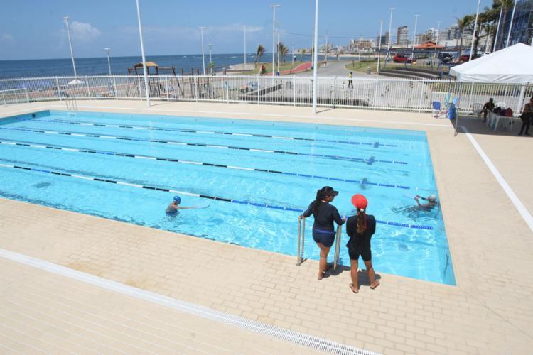Alunos treinaram ontem na piscina olímpica - Foto: Luciano da Matta l Ag. A TARDE