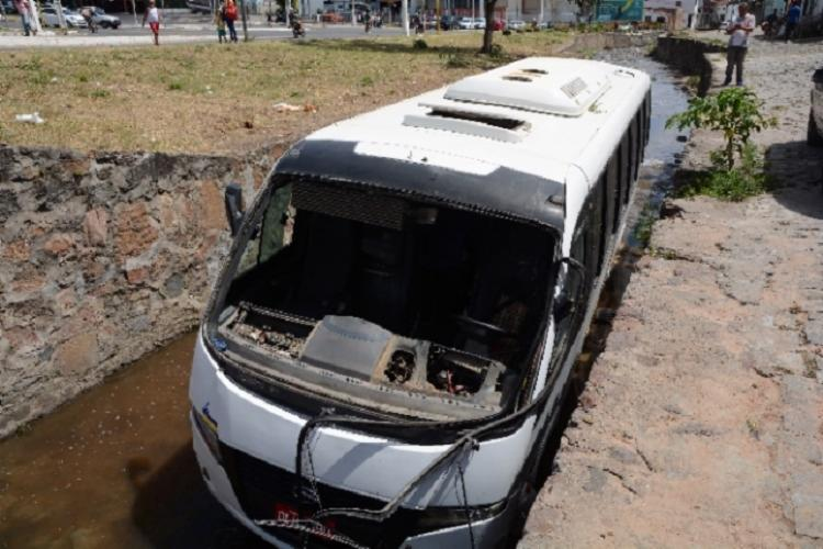 O acidente aconteceu na avenida de Canal com a Olímpio Vital - Foto: Ed Santos | Acorda Cidade