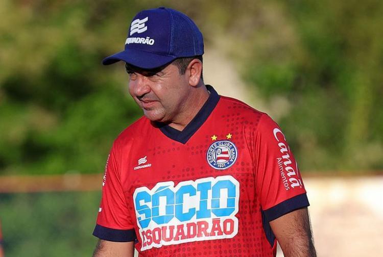 O técnico Enderson Moreira garantiu que vai utilizar o que há de melhor no Esquadrão - Foto: Felipe Oliveira l EC Bahia