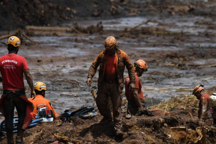Subiu para 160 o total de óbitos identificados após o rompimento da barragem da Mina Córrego do Feijão, em Brumadinho (MG) - Foto: Mauro Pimentel l AFP