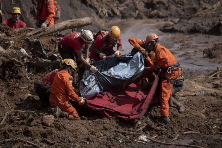 No último boletim, divulgado na quinta, 7, o número de mortos havia chegado a 157 - Foto: Mauro Pimentel l AFP