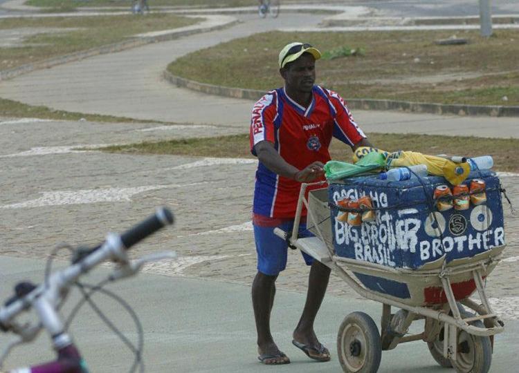 Ao todo, serão 500 vagas distribuídas entre isopor, baianas, carrinhos e food trucks - Foto: Foto: Arestides Batista | Arquivo | Ag. A TARDE