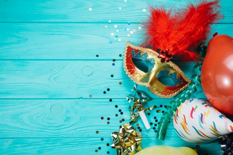 A festa a fantasia possui entrada gratuita - Foto: Divulgação | Freepik