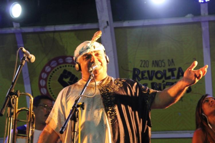 Cantor comanda o ensaio junto com maestros e músicos da Bahia - Foto: Divulgação