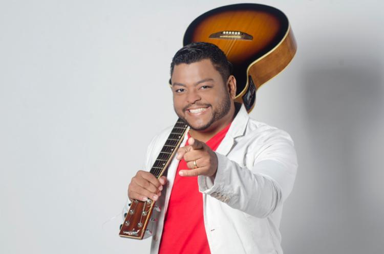 Dan Miranda comanda a banda Ara Ketu - Foto: Saulo Brandão