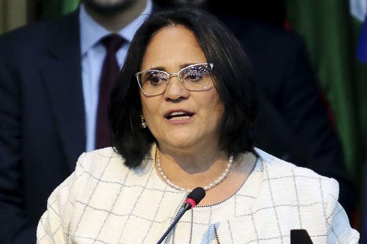 A ministra Damares Alves: novo gol contra o governo - Foto: Valter Campanato l Agência Brasil