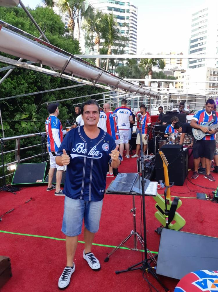 Ricardo Chaves comanda show no circuito Barra/Ondina - Foto: Esporte Clube Bahia