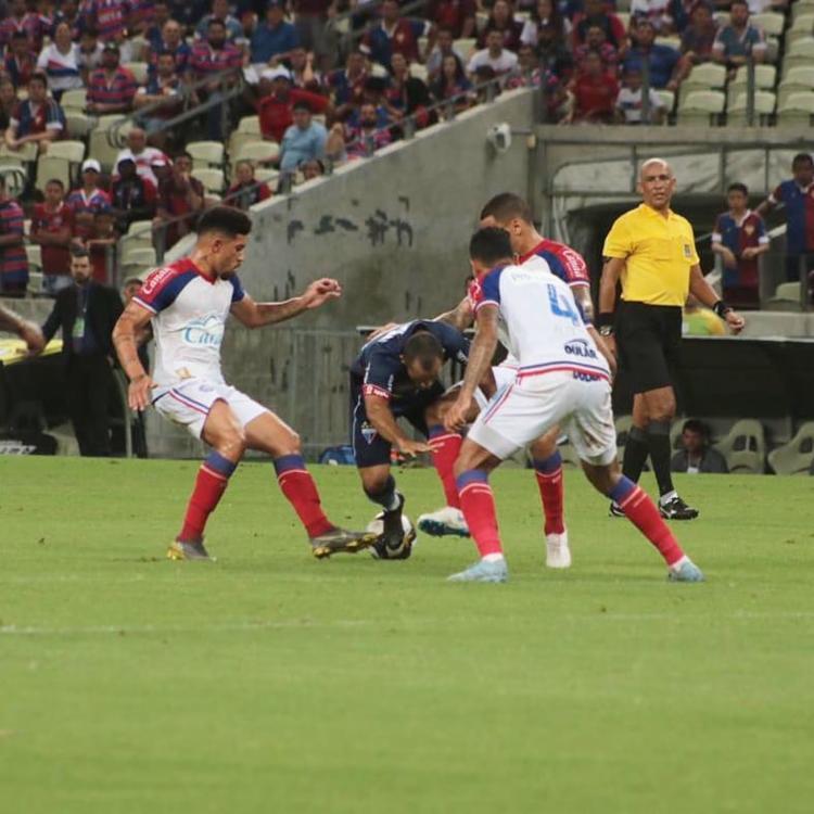 Com o resultado, o Bahia permanece fora da zona de classificação do grupo B - Foto: Leonardo Moreira | FEC