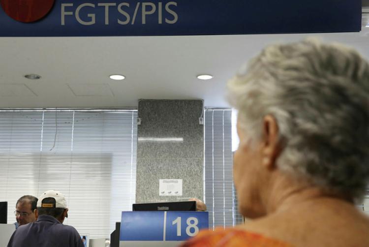 De acordo com a Caixa, estão disponíveis mais de R$ 2,7 bilhões para 3,7 milhões de trabalhadores - Foto: José Cruz | Agência Brasil