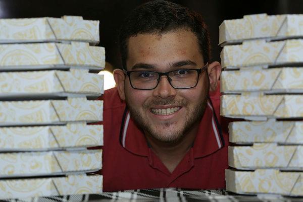 Dono da Tutto Pizzaria, o jovem afirma que nunca foi fã do mercado tradicional
