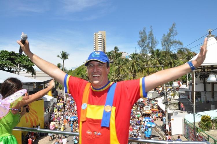 Tio Paulinho é uma das grandes referências em eventos infantis durante o carnaval.