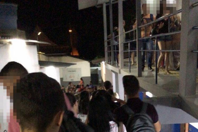 Momentos de tensão e correria dos alunos logo após o 'abalo' no edifício - Foto: Divulgação | Blog do Anderson